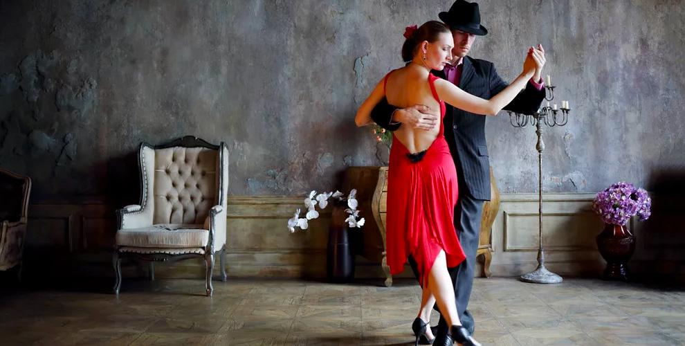 Занятия сальсой и бачатой в школе латиноамериканских танцев Salsa Viva