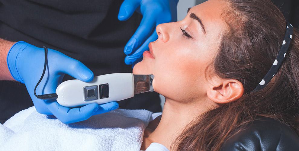 Всесезонный пилинг, УЗ-чистка лица, УЗ-фонофорез и другое от косметолога-эстетиста