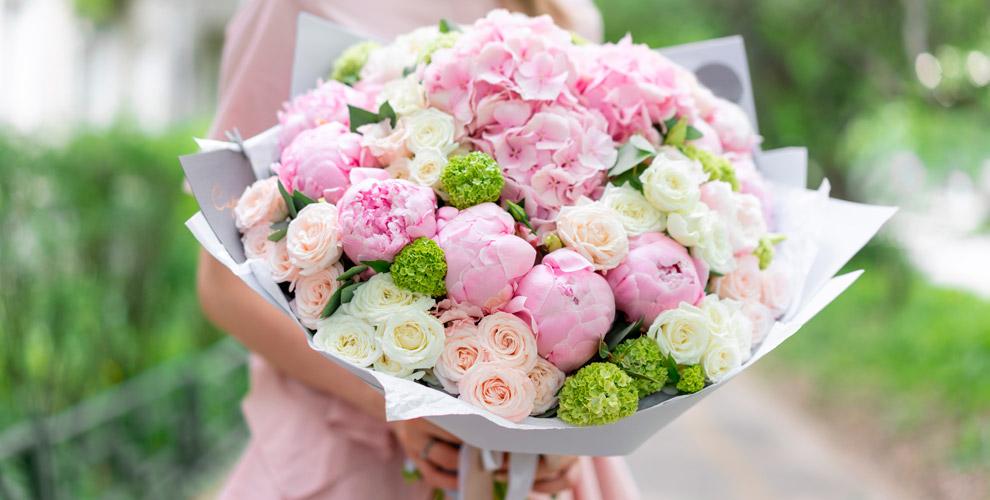 Салон Vanda: цветы, букеты, композиции вшляпных коробках идеревянных ящиках