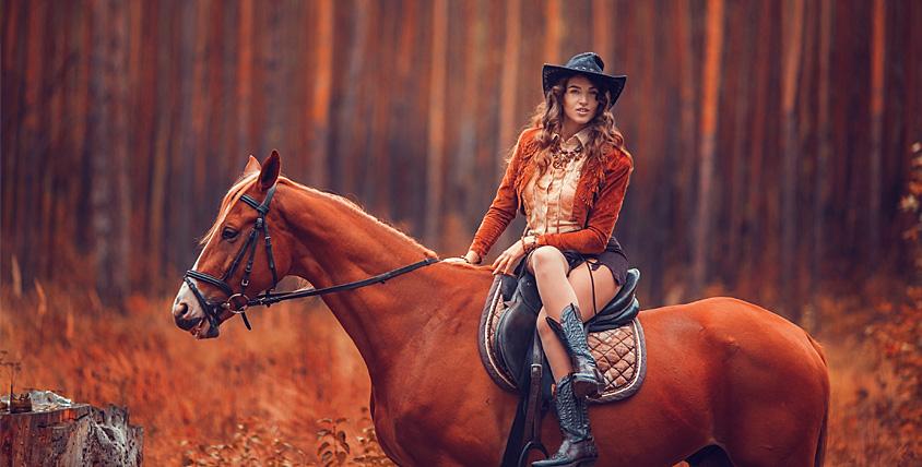 """Аренда лошади для фотосессии, занятия по верховой езде и конная прогулка в живописных местах в конном клубе """"Усадьба"""""""