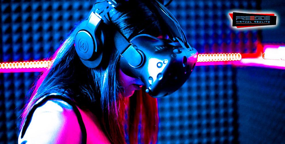 Игры в очках виртуальной реальности в клубе Freeside