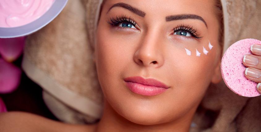 Фотоомоложение, УЗ-чистка, RF-лифтинг лица или трех зон в салоне красоты Novella