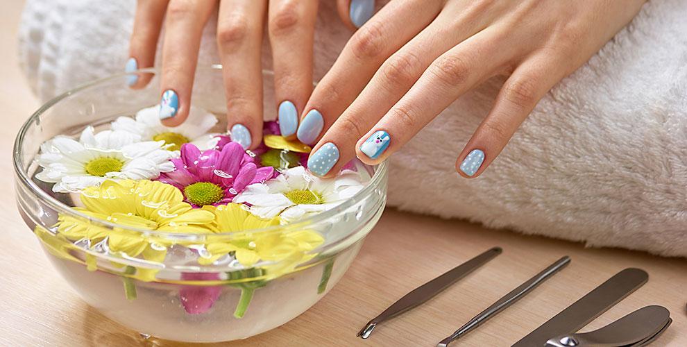 Маникюр, педикюр ипокрытие ногтей гель-лаком всалоне красоты «Гая»