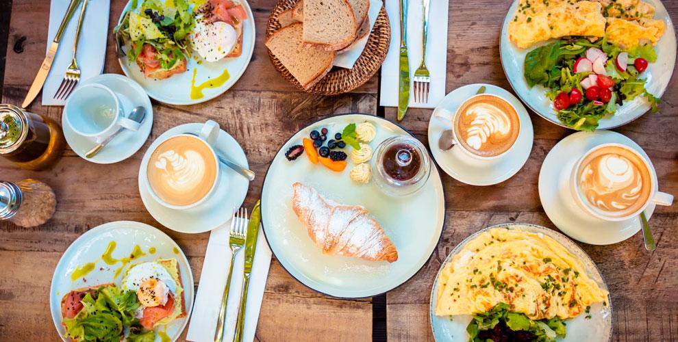 Меню кухни и завтраков в ресторане «Классика Жанра»