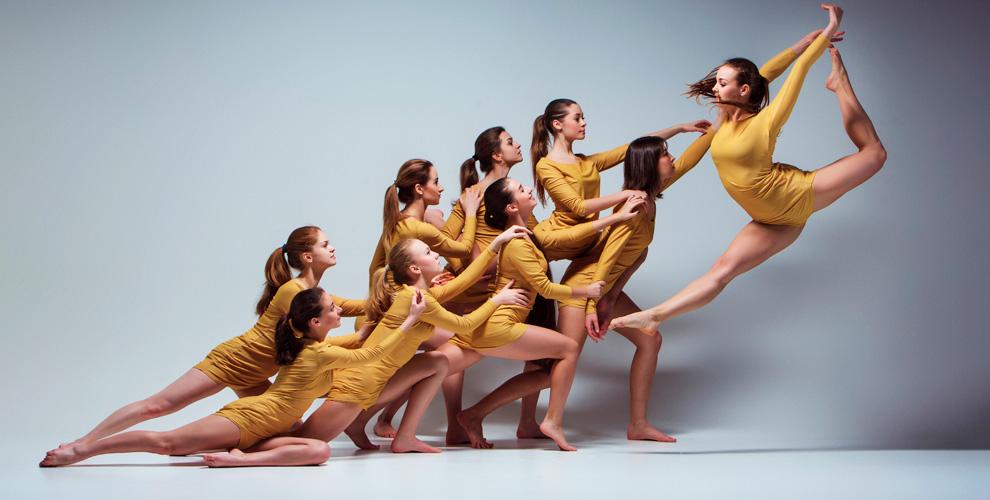 Занятия танцами: контемпорари, стрейчинг, «Латино-соло» вшколе UnderGround