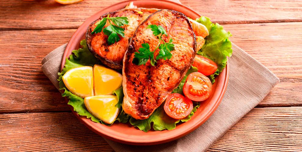 """Блюда из мяса, рыбы, холодные, горячие закуски и напитки в кафе-баре """"Чешский домик"""""""