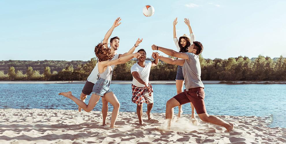 Занятия пляжным волейболом вшколе «Первый Темп»