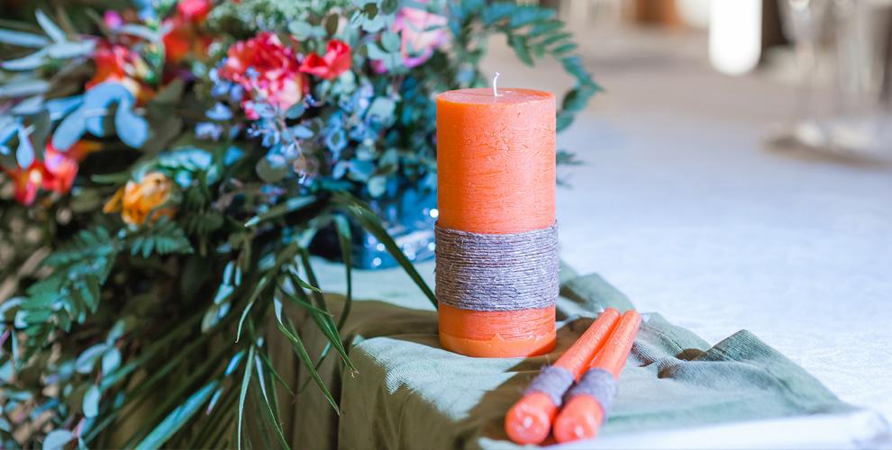 Различные свадебные аксессуары от службы доставки цветов Kaktus-Flo