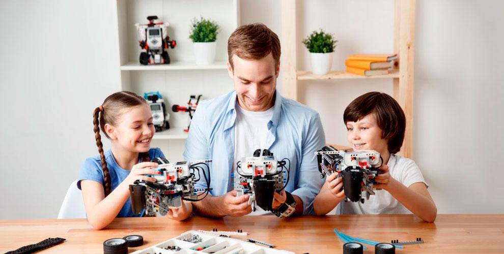 Занятия поробототехнике ипрограммированию длядетей вшколе RoboEducation