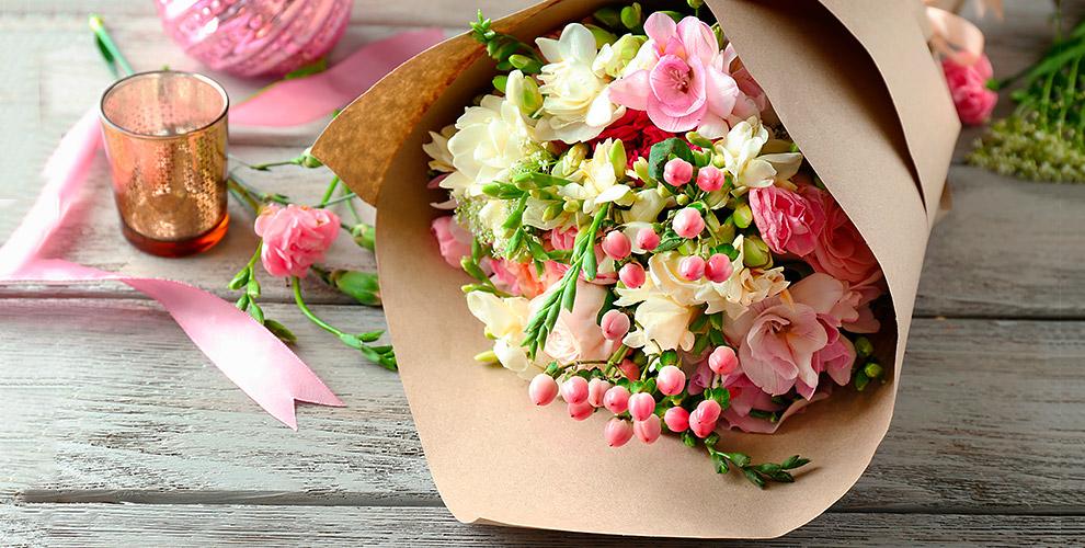 """Розы, гвоздики, альстромерии, герберы и другие цветы в сети салонов """"Розалин"""""""