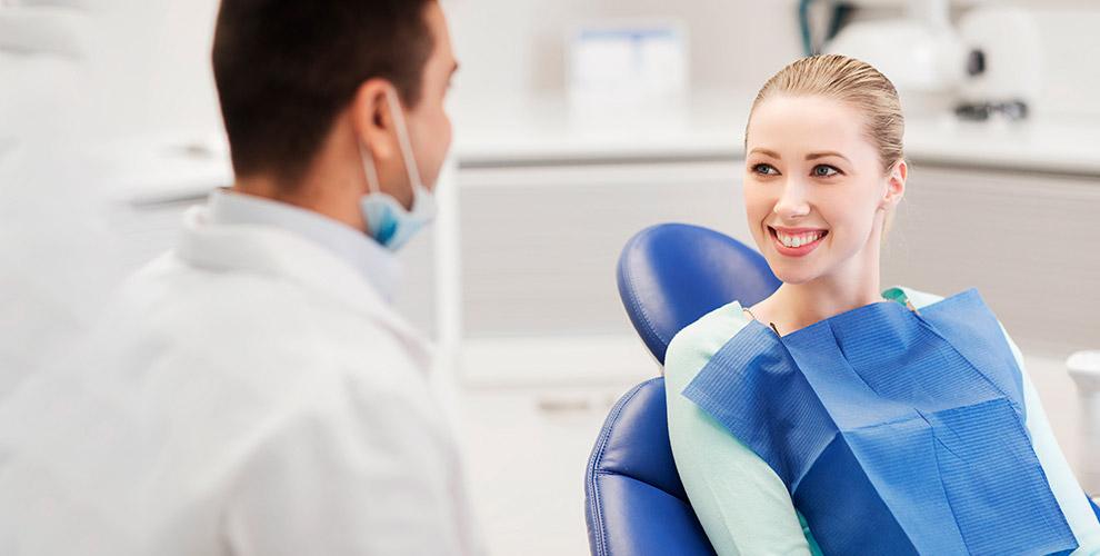 Лечение кариеса и ультразвуковая чистка зубов в стоматологической клинике «Восточная»