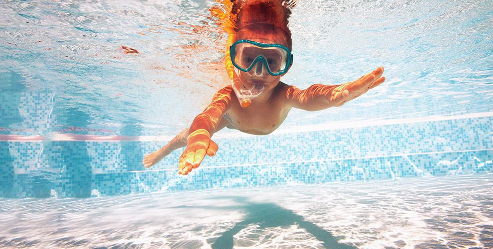 Плавание, фитнес для детей, «Мама + малыш» идругое вцентре «Веселый дельфин»