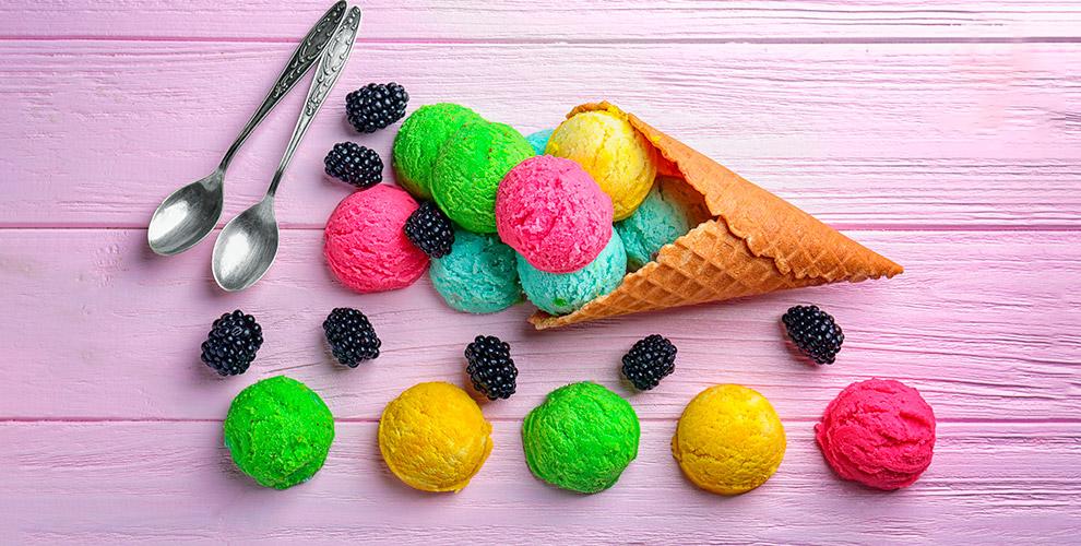 Gelateria PLOMBIR: мороженое навыбор иледенцы