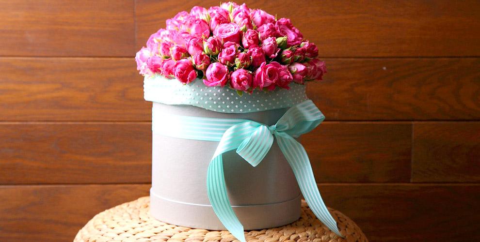 """Пионы, тюльпаны, розы и кустовые хризантемы в магазине """"Цветочный бункер"""""""