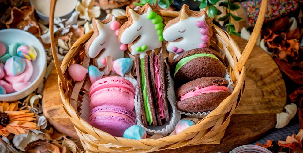 BARACOOKIE: пирожное, капкейки, эклеры, пряники, печенье, леденцы, брауни