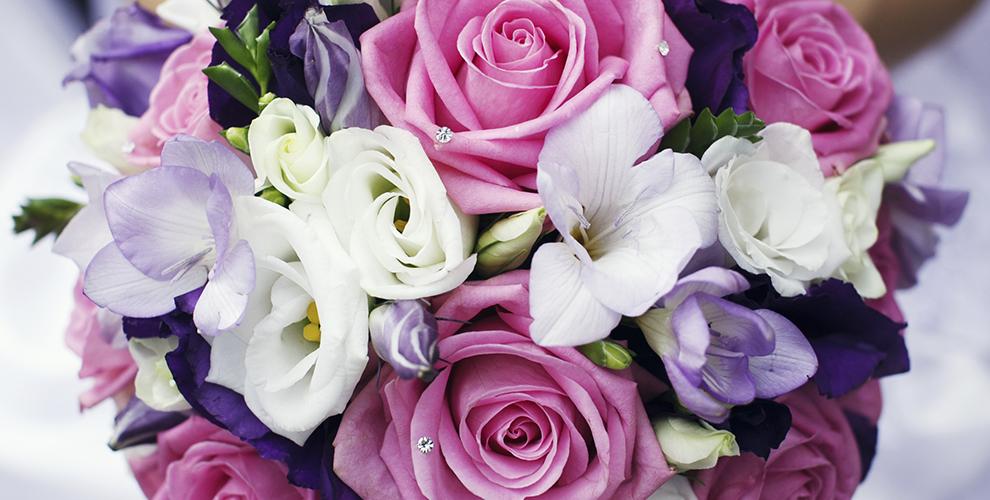 Разнообразные букеты и цветы в коробке в салоне «БУКЕТЕКБ.РФ»