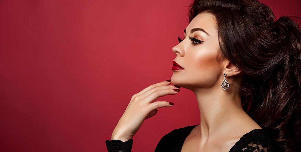 Ногтевой сервис, наращивание ресниц, перманентный макияж всалоне красотыA.T.Nails