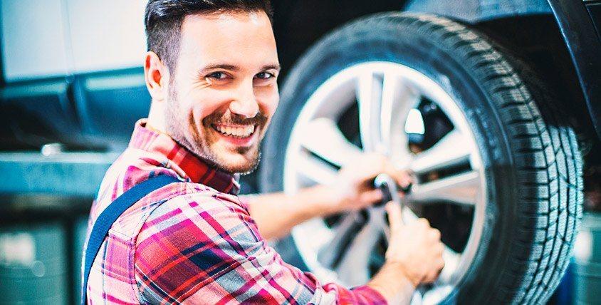 Шиномонтаж автомобилей, минивэнов и микроавтобусов и не только от компании Formula Шин