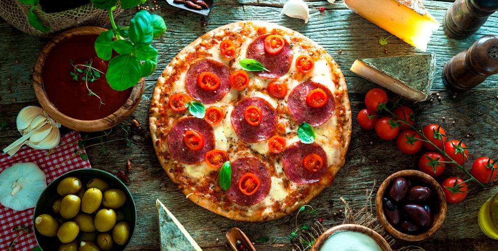 Пицца, супы, спагетти, ризоттовитальянском ресторане DazioPino