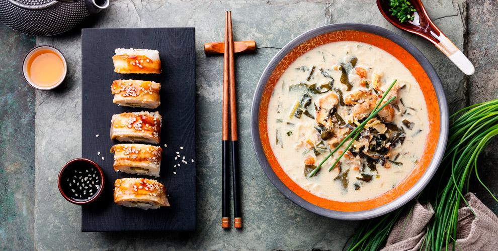Роллы, супы, салаты, горячие блюда, десерты отслужбы доставки Monster Sushi