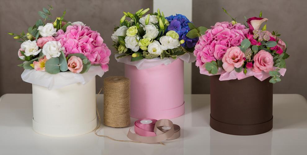 Цветы и букеты из роз в шляпных коробках от компании ICON ROSES