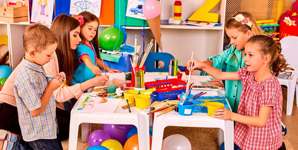 Творческие занятия для детей в семейном клубе «Мастерская детства»