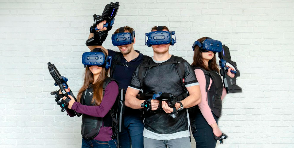 Квест в виртуальной реальности с полной свободой перемещения на арене The Deep