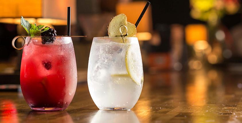 Безалкогольные напитки, карта бара, паровые коктейли за полцены в стейк-ресторане SWBar