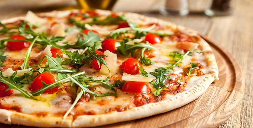 Ароматная, горячая, твоя! Все меню пиццы с разнообразными начинками от службы доставки Hot Pizza