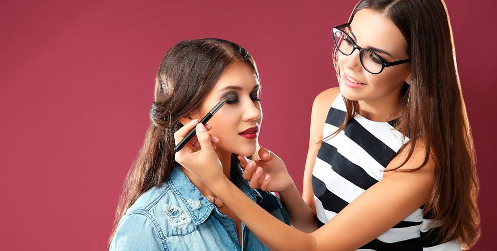Различные виды макияжа имастер-классы, окрашивание бровей вшколе BeautyExpert