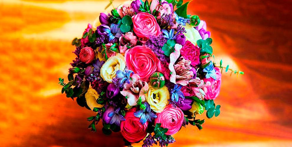 «Цветы в саду»: букеты, композиции из роз, орхидей и не только