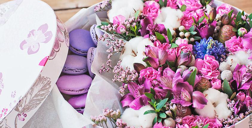 Нежнейшие свежесрезанные цветы для любимых, а также композиции из живых цветов в коробочке от магазина RoseMix