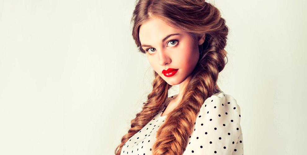 Коррекция бровей, маникюр, плетение косипучки вмастерской красоты Софии Кара