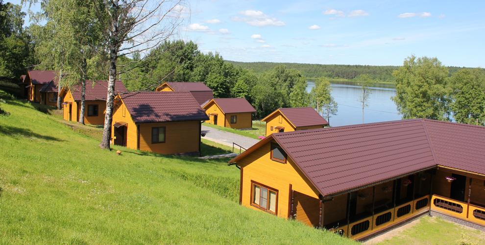 Проживание в гостиничном комплексе, коттедже или бунгало на базе отдыха «Солнечная»