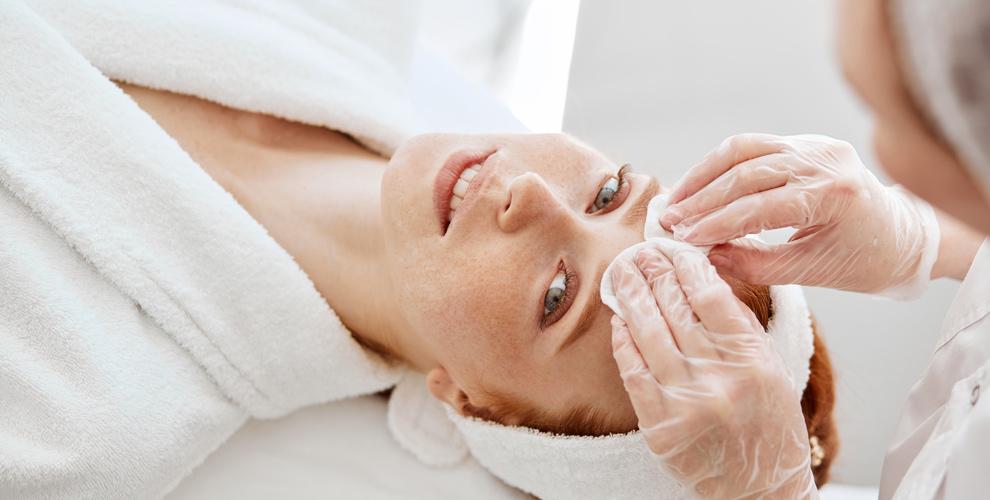 Студия эстетической косметологии Krasota: УЗ-чистка, пилинг, восковая депиляция