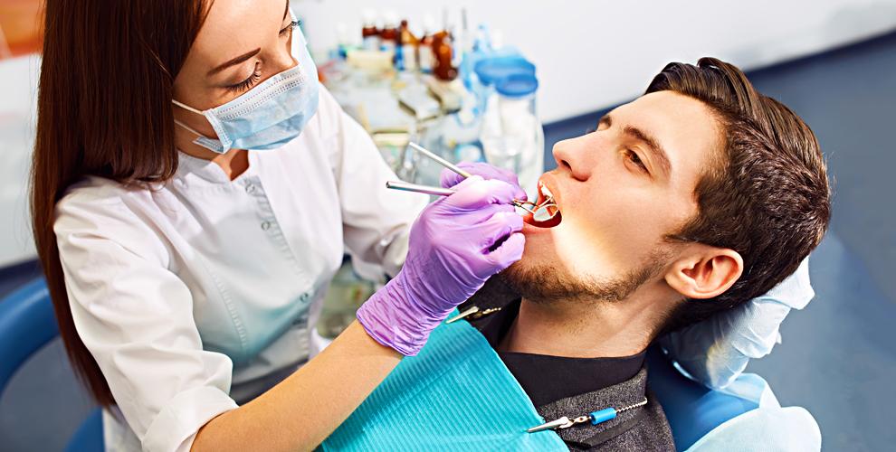Комплексный осмотр стоматолога и установка импланта в клинике «Стоматология 24»