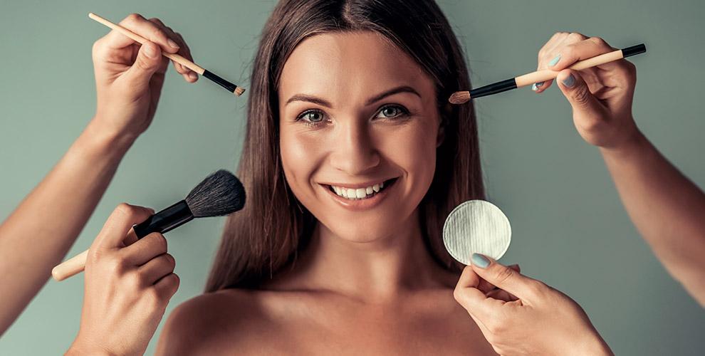 Мастер-классы по нанесению макияжа и не только в школе «Золотая Кисть»