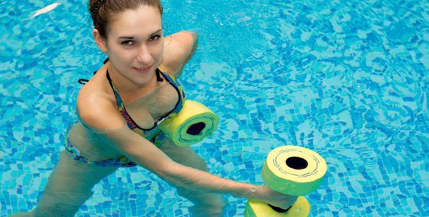 Абонементы на занятия аквааэробикой, фитнесом и посещение инфракрасной сауны в фитнес-клубе Fit-Voyage. Будь в форме!