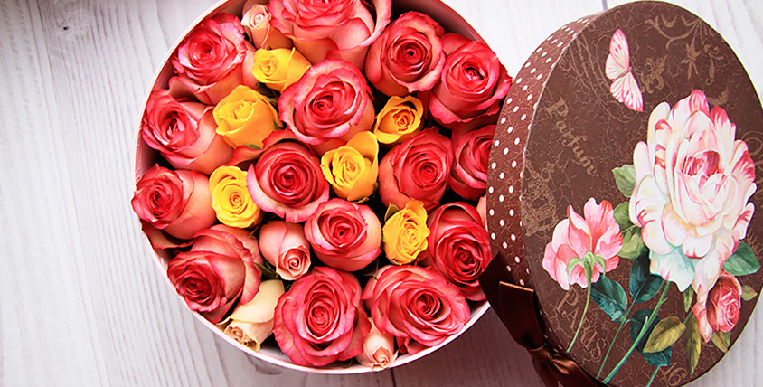 Новые композиции из живых цветов в коробочке от магазина RoseMix! Нежные рускусы, герберы, орхидеи, розы Эквадор и не только!