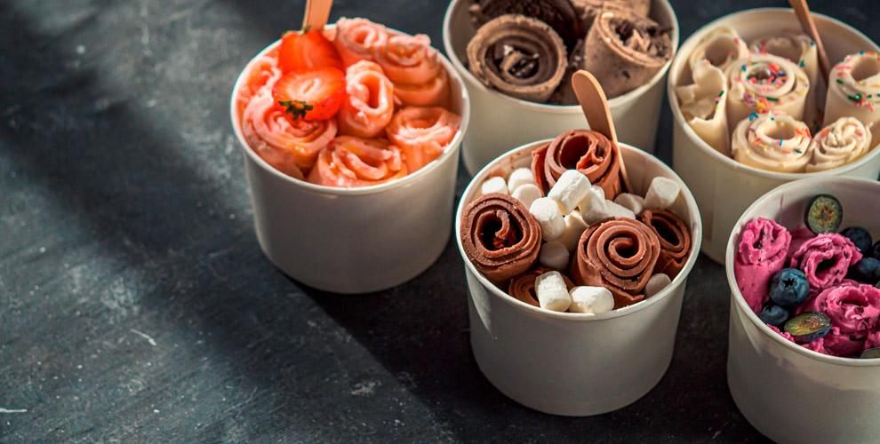 «Кусь Кусь»: жареное мороженое сягодами итоппингом
