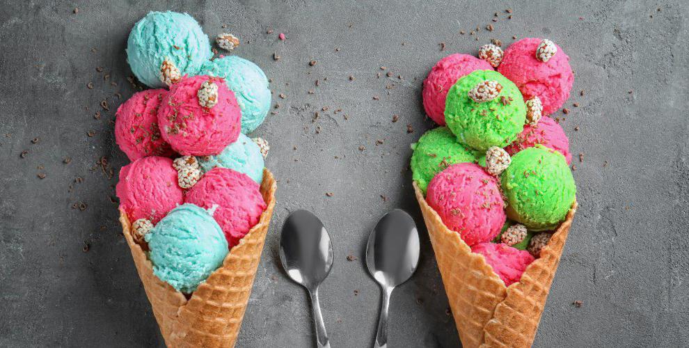 Дыня, облепиха, тирамису иеще23вкуса мороженого откафе Piccolo «МЕГА Самара»