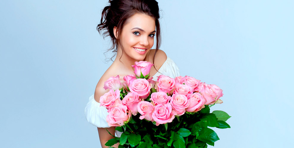 Розы, хризантемы, альстромерии ибукеты всалоне Beauty Flowers