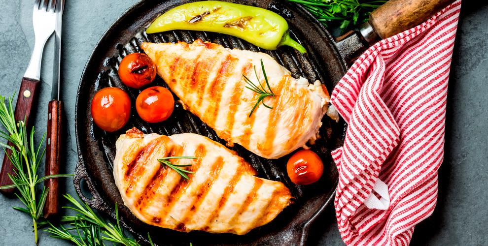Cafe-market «Все просто»: разнообразные блюда кухни и банкетное меню