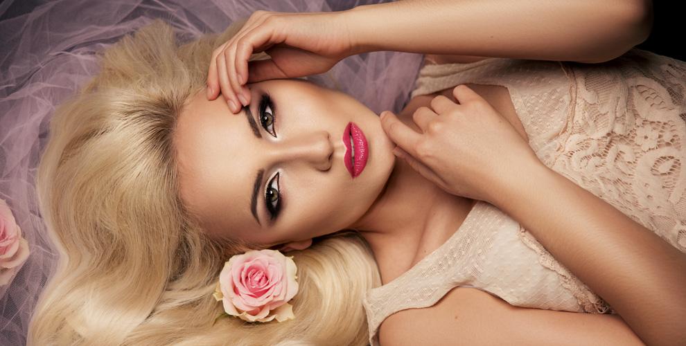 Коррекция, окрашивание бровей, перманентный макияж и УЗ-чистка в студии «Эволюшен»