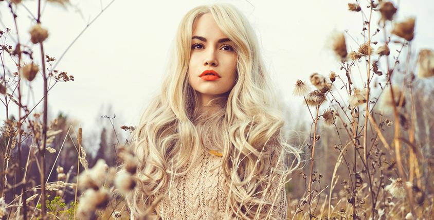 """Депиляция воском, коллагеновое обертывание волос, окрашивание """"Омбре"""" или """"Шатуш"""" и не только в бьюти-баре """"Рапсодия красоты"""""""