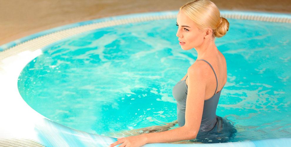 MAKS HAUS: проживание вотеле ипосещение сауны с бассейном