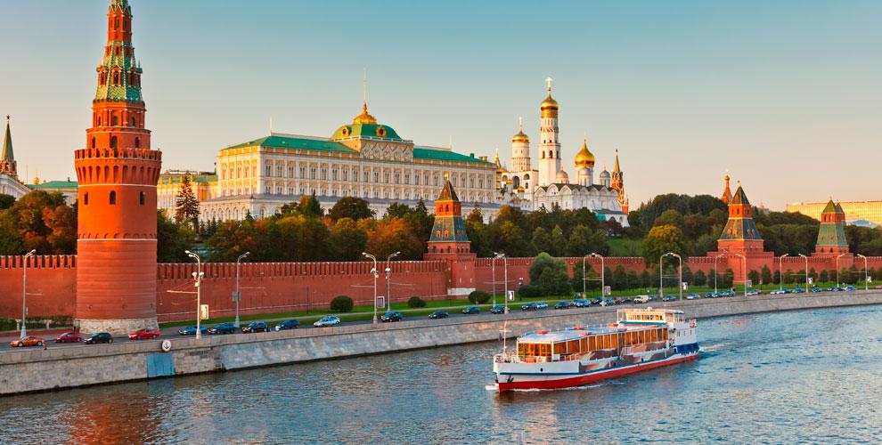 Прогулка на теплоходе от причала «Киевский вокзал» и «Устьинский мост»