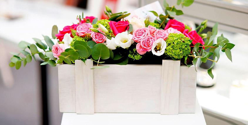 Розы от 35 руб., композиция с тропической бабочкой и не только в салоне Vanda