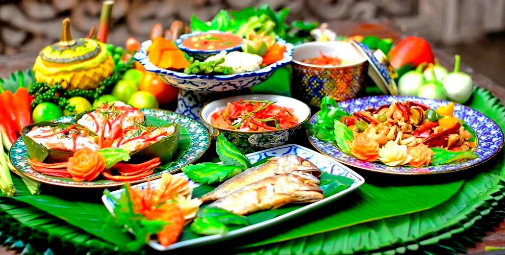"""Все меню и карта бара в ресторане тайской кухни """"Баан Тай"""""""