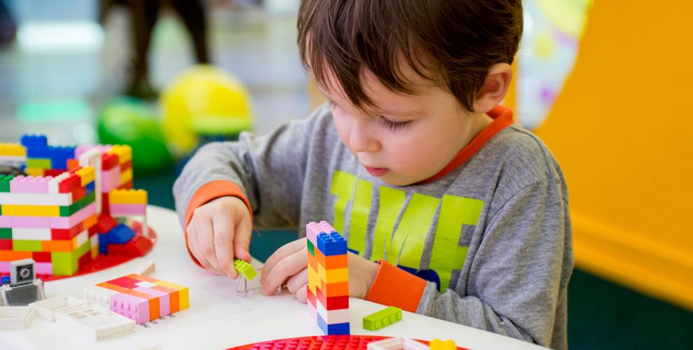 Посещение детской игровой площадки «Кидсити» в ТРЦ «Мега Дыбенко»